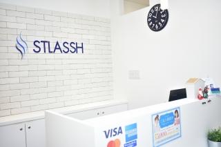 ストラッシュ京都店エントランス