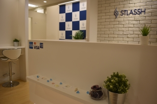 ストラッシュ広島店エントランス